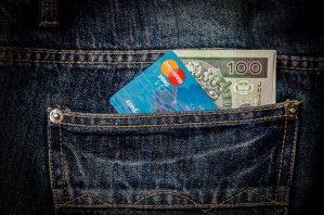 Jak Polacy podchodzą do pożyczenia pieniędzy czyli chwilówki i pożyczki dla każdego